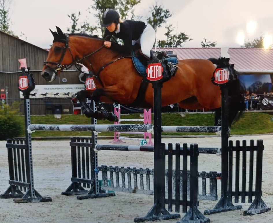 monitrice d equitation