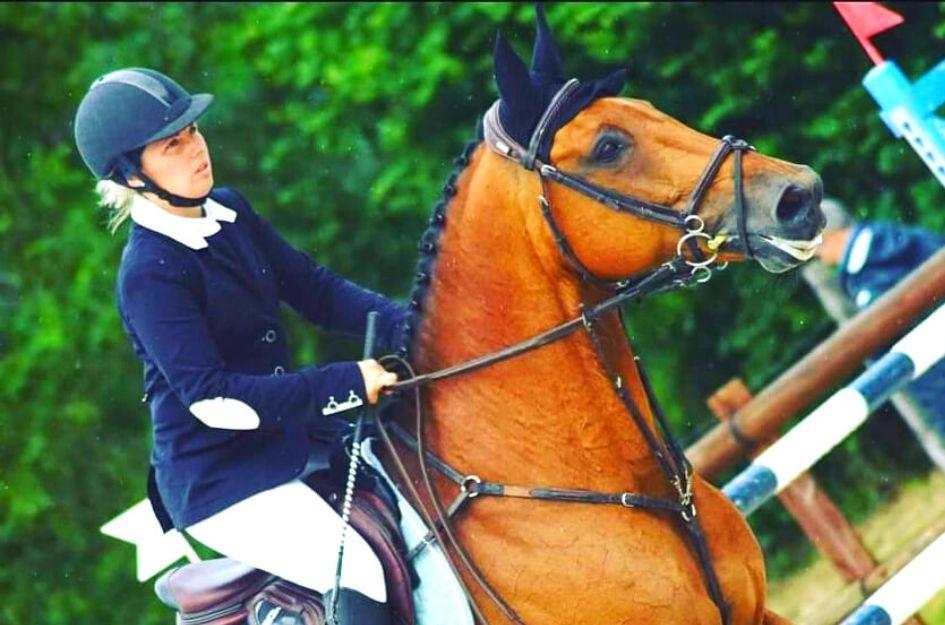 monitrice d'equitation
